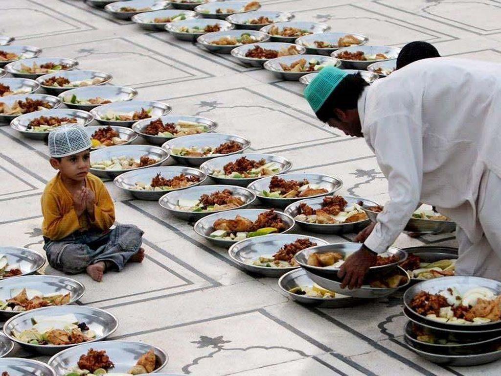 Di 5 Negara Ini Jika Ketahuan Minum Saat Ramadhan Dijebloskan ke Penjara