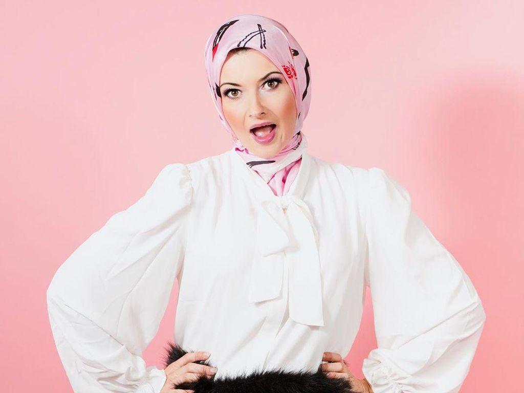 Foto Kisah Mualaf Fotografer Cantik, Gemar Dugem Sebelum Mendapat Hidayah