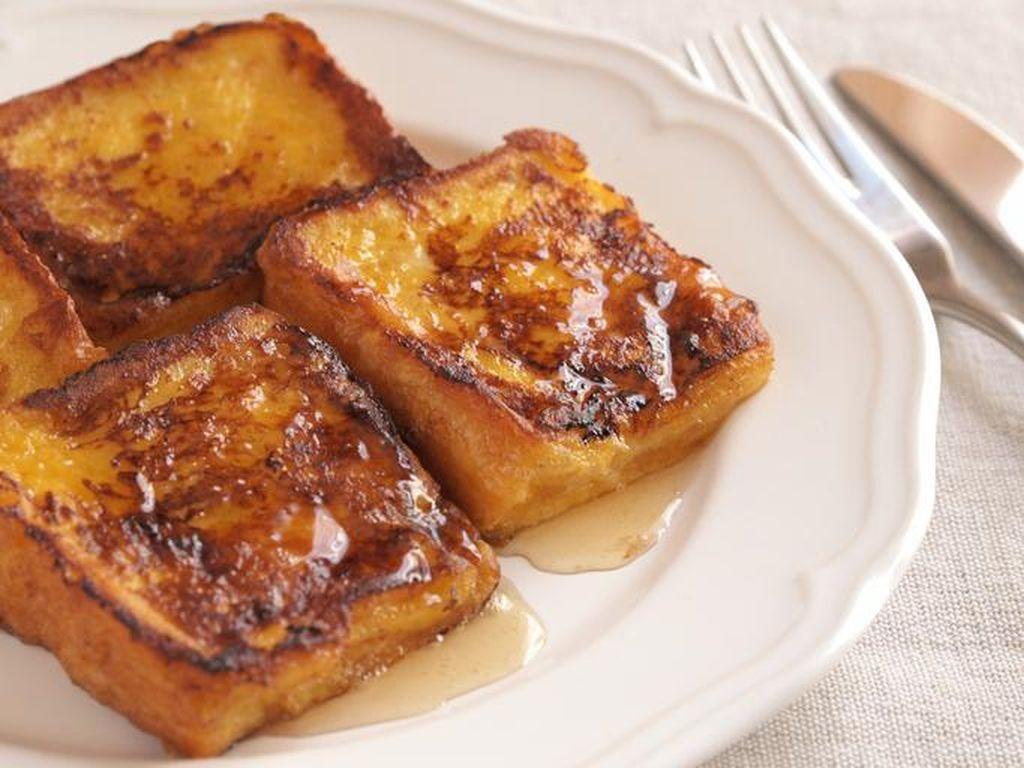 3 Langkah Bikin Eggy Bread yang Gurih Buat Sahur