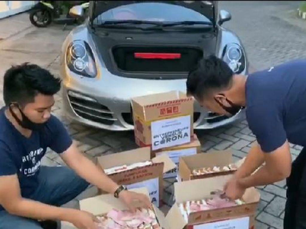 Prank Sembako Sampah Berbalas Crazy Rich Surabaya Bagi Mi Instan Isi Uang