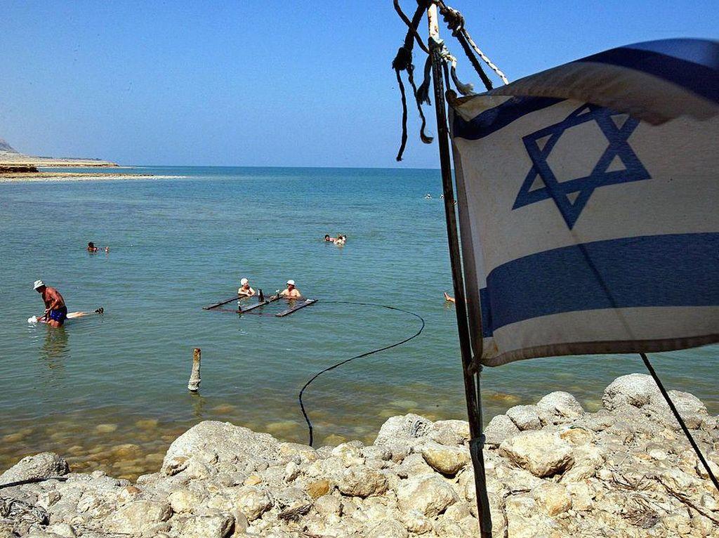 Israel Kembali Buka Wisata Laut Mati di Tengah Pandemi