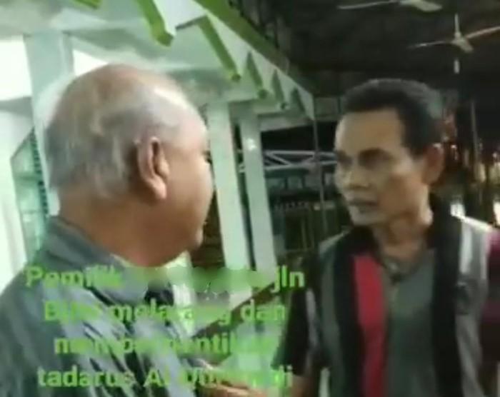 Screenshot video viral perdebatan soal tadarus malam di Medan