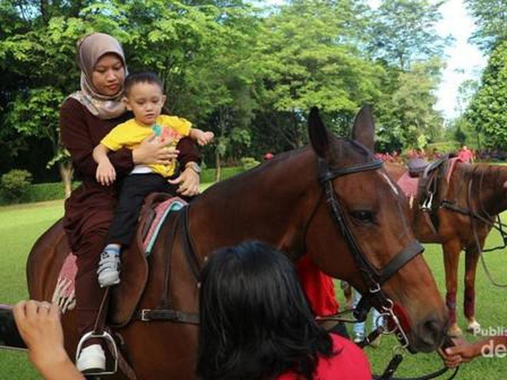 Tak Perlu ke Bandung, Cibinong Juga Punya Wisata Kuda