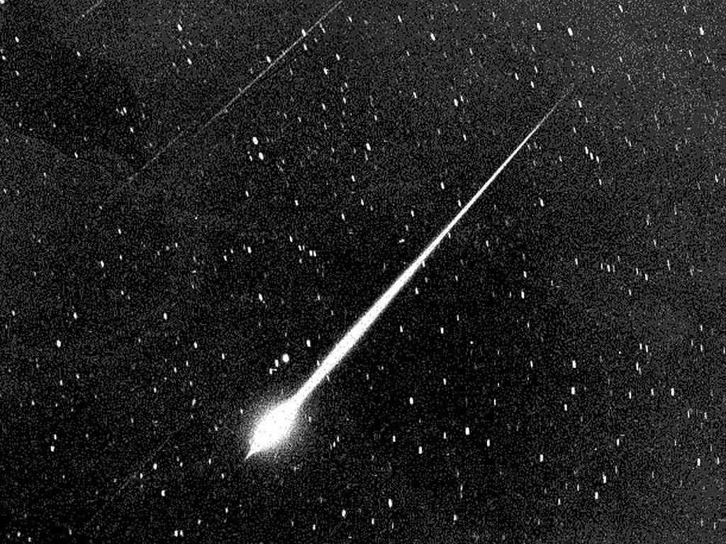 Tentang Draconid, Hujan Meteor yang Dikaitkan dengan Lintang Kemukus