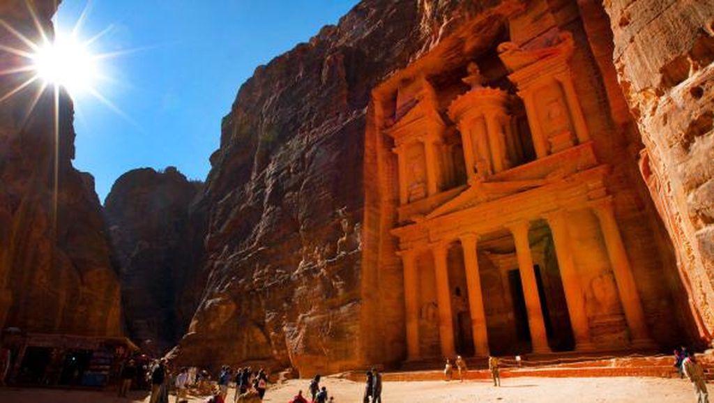 Keajaiban Petra, Kota Kuno yang Dipahat dari Batu di Yordania