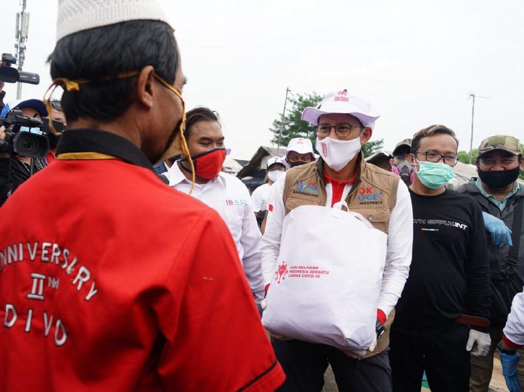 Muncul Suara Miring gegara Aksi Bareng Relawan Jokowi, Sandiaga Buka Suara