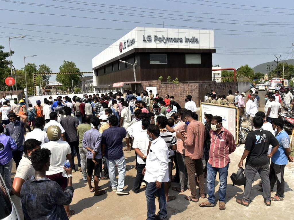 Warga India Demo Sambil Bawa Mayat ke Pabrik Kimia Usai Peristiwa Kebocoran Gas