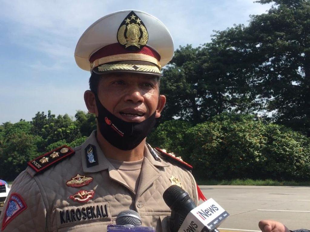 Polisi Putar Balikkan 141 Kendaraan Pemudik di Tol Cikarang Barat Sejak Semalam