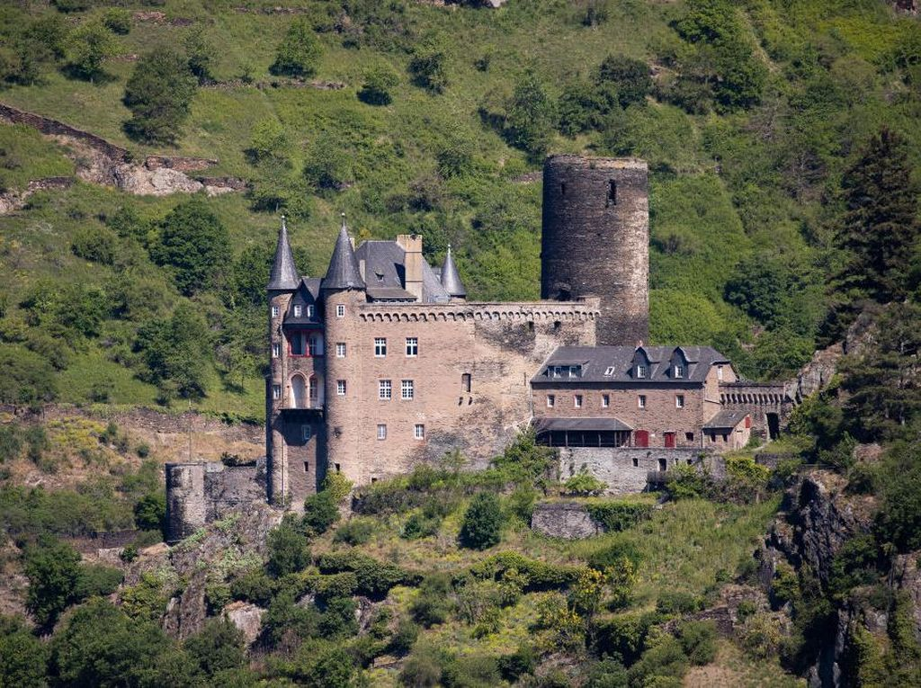 Megahnya Kastil Burg Katz dan Cerita Putri Duyung Loreley