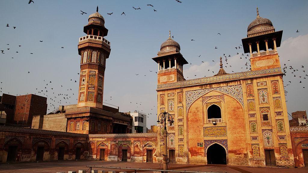 Melihat Masjid Wazir Khan Peninggalan Dinasti Mughal di Pakistan