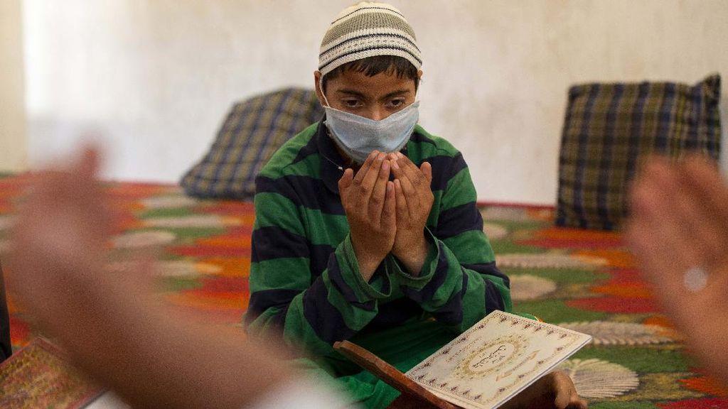 Potret Anak-anak Kashmir Belajar Alquran di Tengah Pandemi