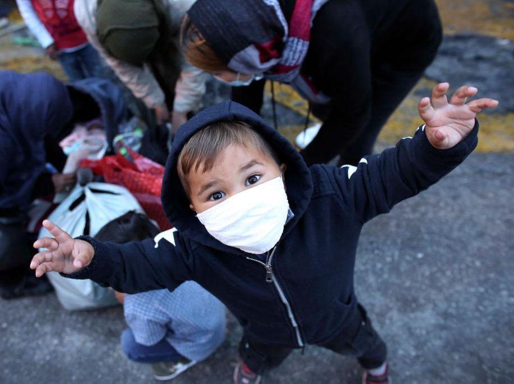 Potret Anak-anak Migran Pulau Lesbos Yunani Bertahan dari Corona