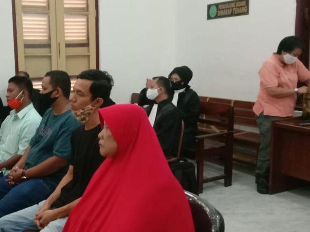 Ibu Eksekutor Nangis di Sidang Pembunuhan Jamaluddin: Anak Saya Orang Baik