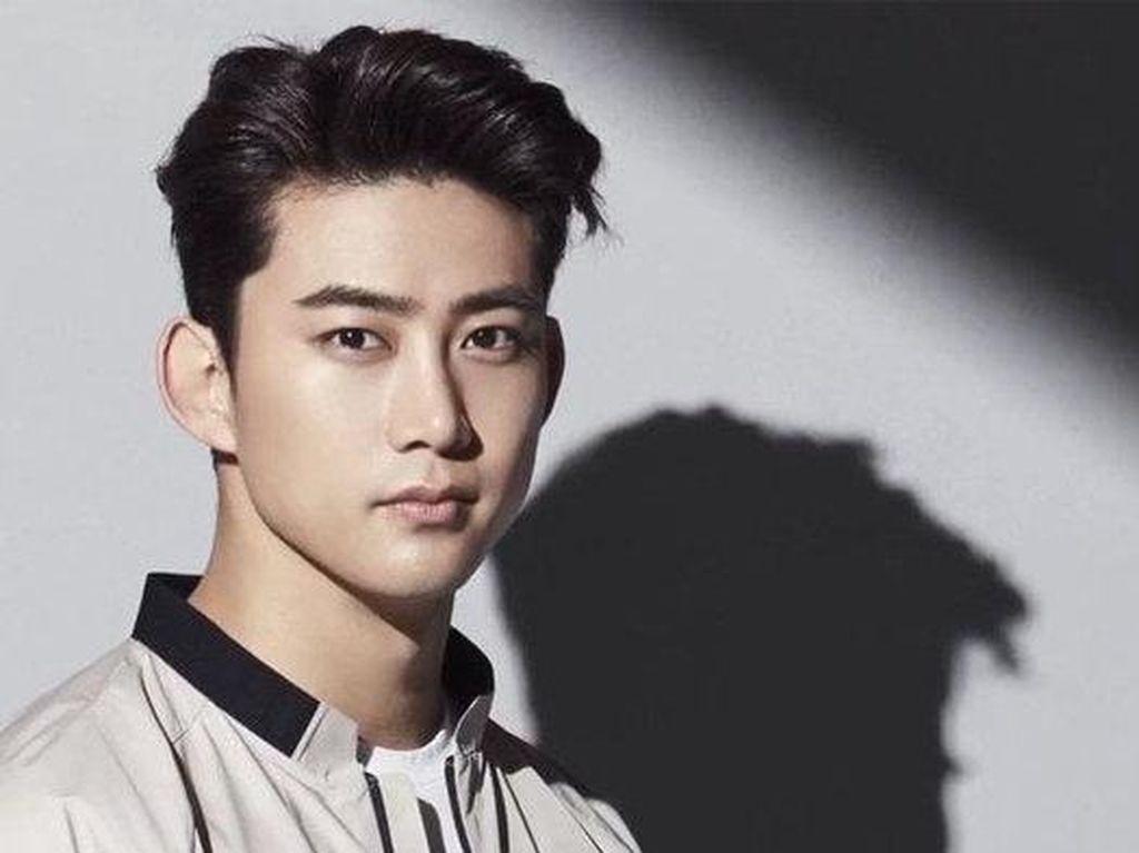 Pengalaman Seram Taecyeon 2PM, Hotel Disatroni Fans saat Tidur Tanpa Busana