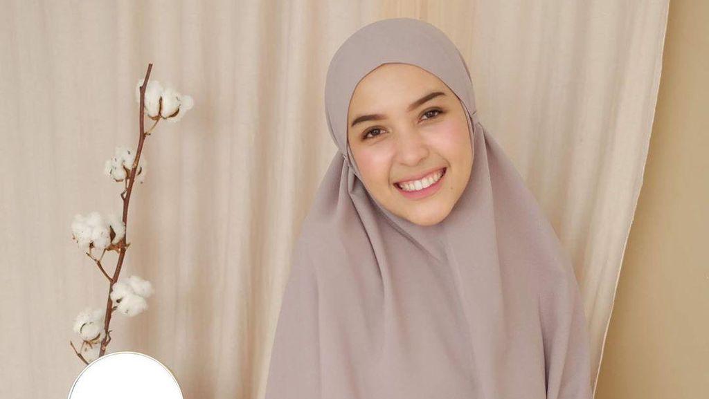 8 Gaya Hijab Anti Ribet Ala Selebgram Pakai Bergo Instan