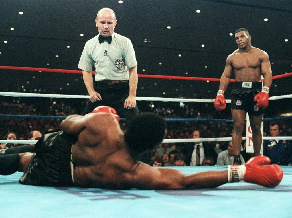 Mike Tyson Bilang Begini soal Rekor Juara Dunia Termuda