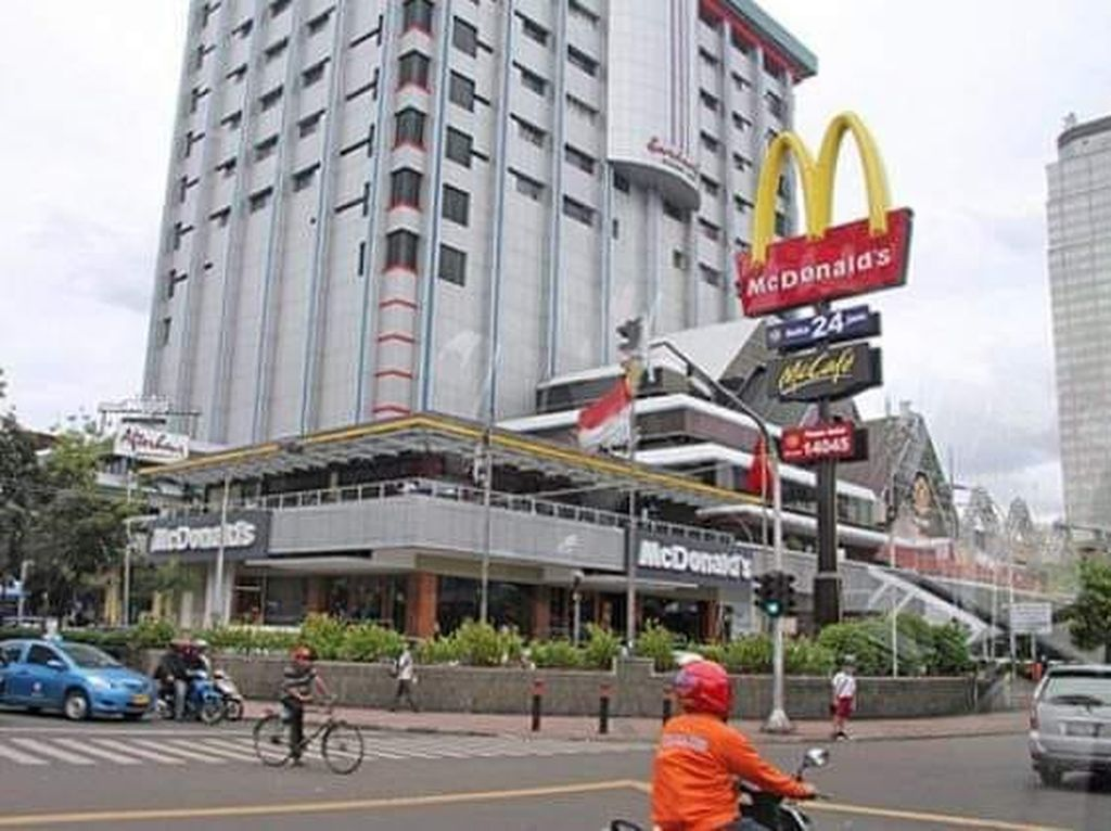 McDonalds Sarinah yang Legend Banget!