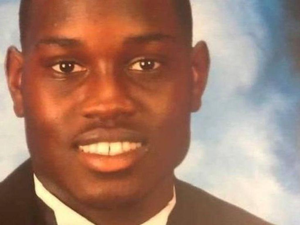 Tembak Mati Pemuda Kulit Hitam, Eks Polisi AS dan Anaknya Ditahan