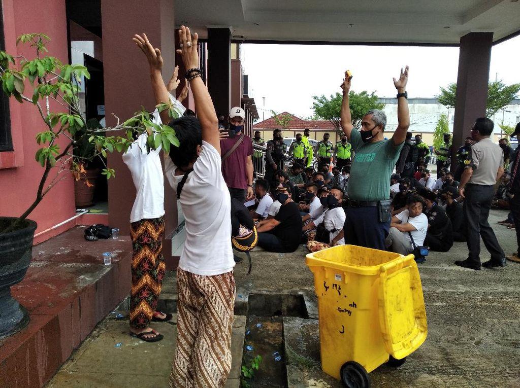 Tagih Utang Bawa Sajam, 49 Anggota Ormas Diamankan Polresta Samarinda
