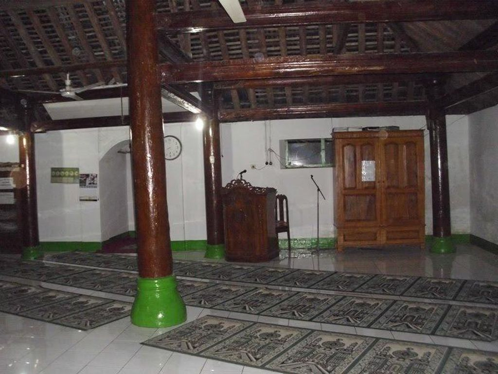 Uniknya Masjid di Banjarnegara, Bisa Salat di 2 Tempat dalam 1 Waktu
