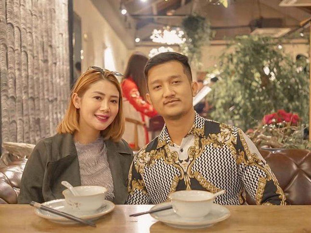 Intip Serunya Kulineran Crazy Rich Surabaya yang Bagi Sembako Isi Uang