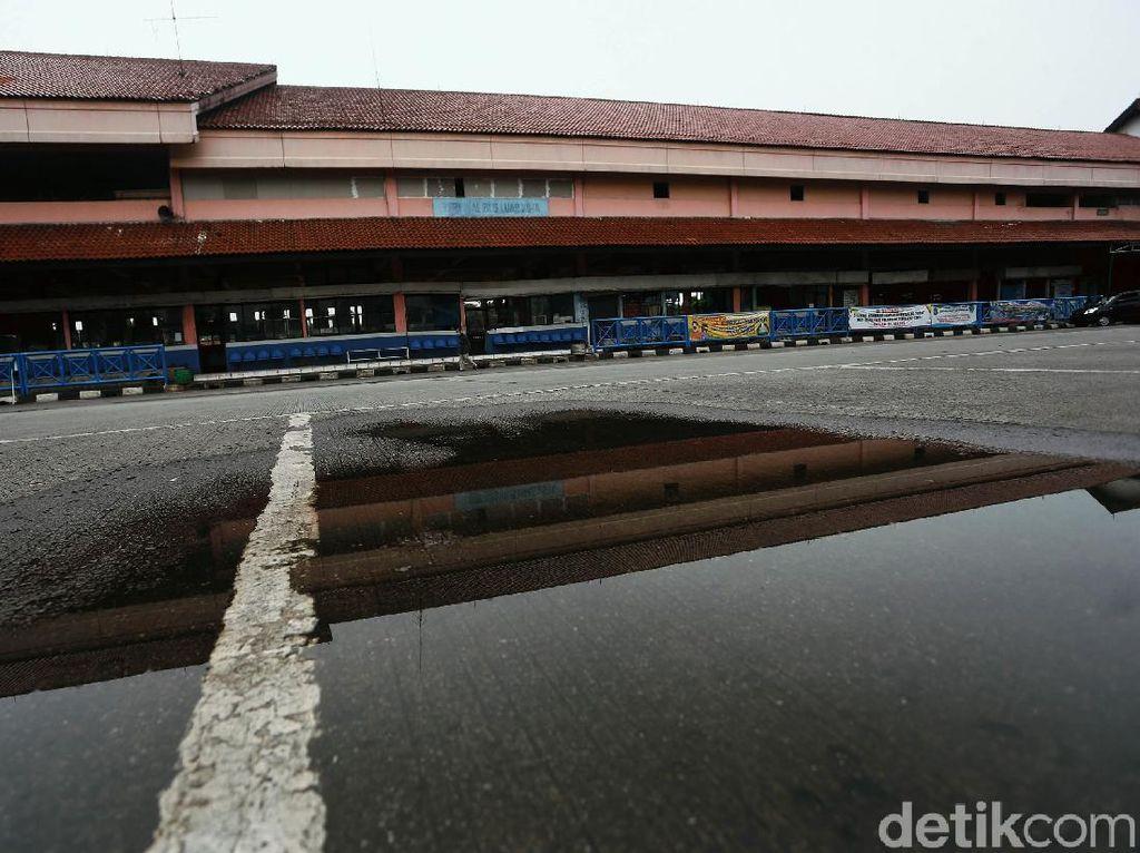Terminal Kampung Rambutan Masih Lesu
