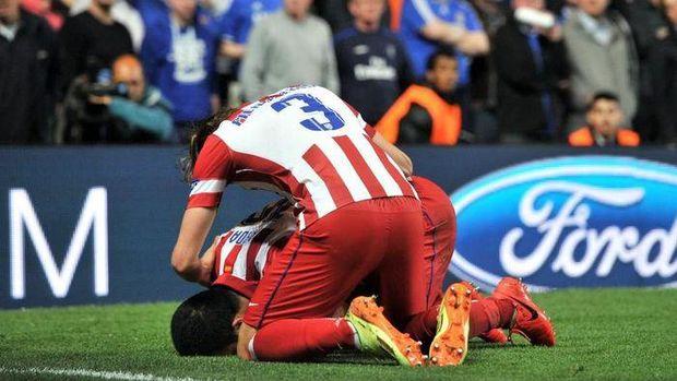 pemain bola muslim sujud syukur