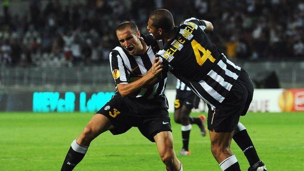 Giorgio Chiellini dan Felipe Melo saat masih menjadi rekan setim di Juventus.