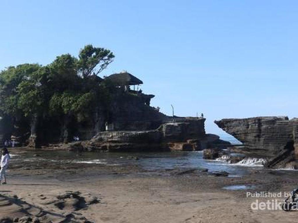 Kisah Tanah Lot, Batu Karang Sakti di Tengah Lautan