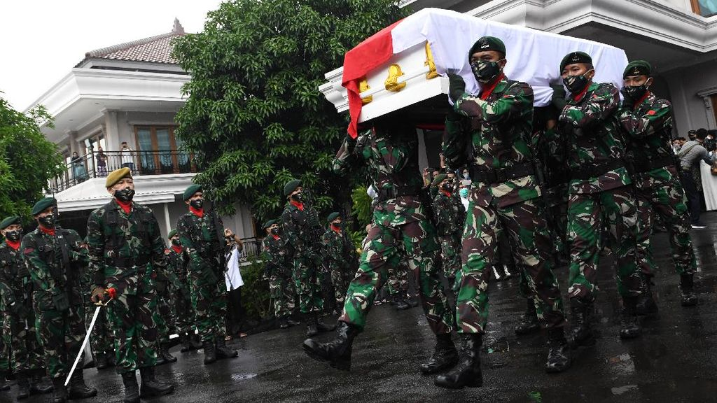Potret Upacara Pelepasan Jenazah Mantan Panglima TNI Djoko Santoso