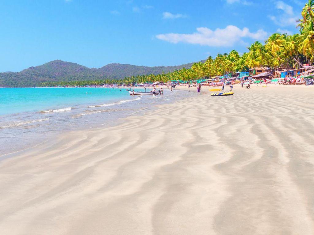 Goa Kebanyakan Turis, Pantainya Erosi