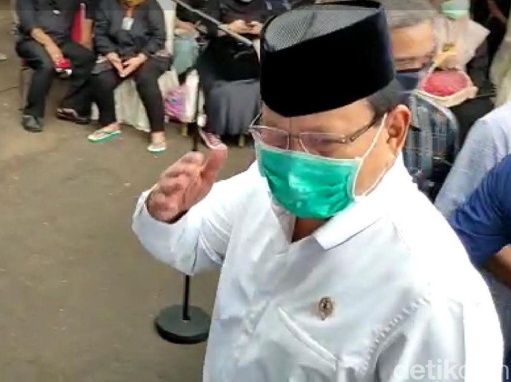 Bermasker, Prabowo Melayat ke Rumah Duka Djoko Santoso