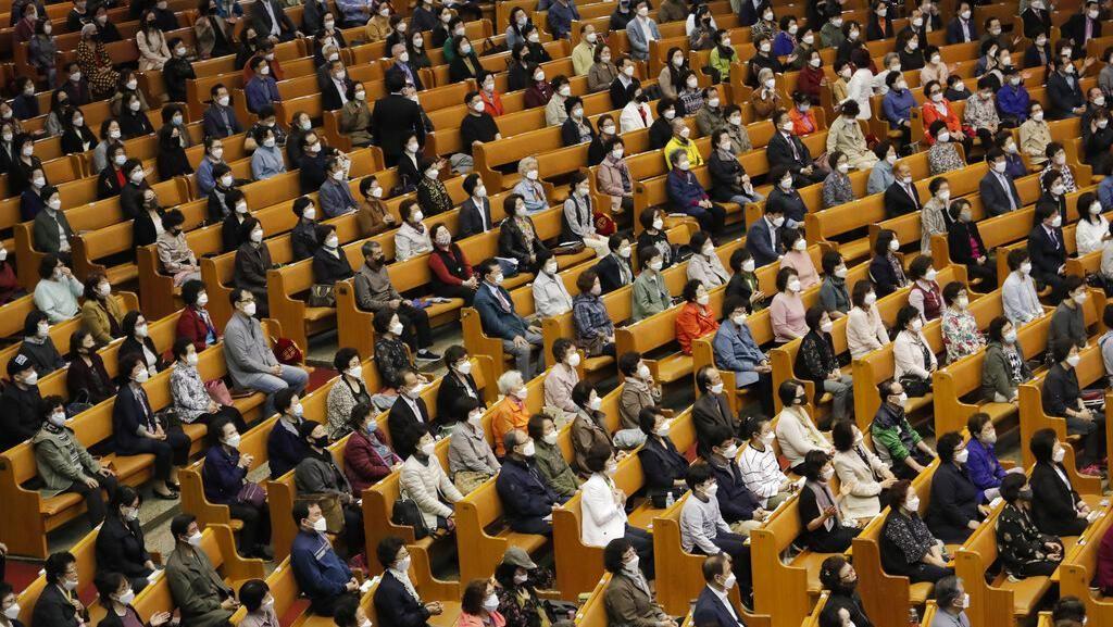 Ratusan Warga Korea Selatan Kembali Beribadah di Gereja