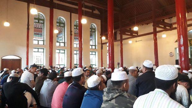 Shollat Juma't di masjid Shuncheng