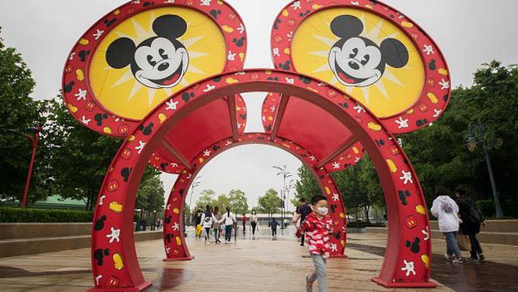 Kembali Dibuka, Disneyland Shanghai Siap Sambut Wisatawan