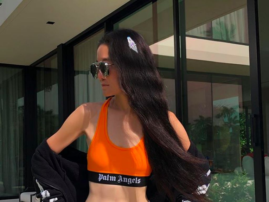Viral, Penampilan Seksi Vera Wang yang Bak ABG Pukau Netizen