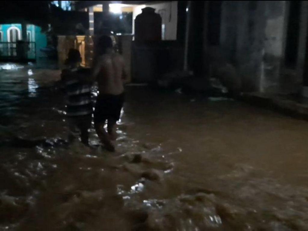 Hujan Lebat di Jambi, Banjir 50 Cm Rendam Ratusan Rumah