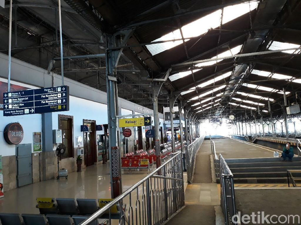 Keran Transportasi Umum Dibuka, Stasiun Tugu Yogya Lengang