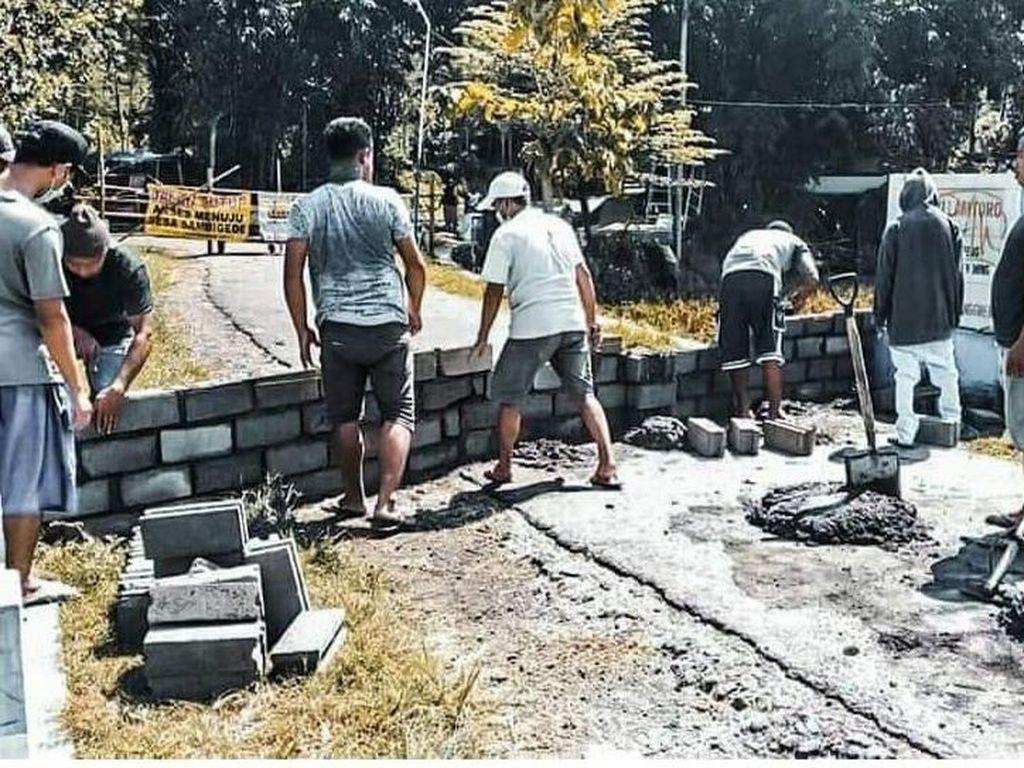 Gegara Corona, 2 Desa di Malang Saling Portal Jalan