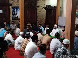 Doa Bersama 7 Hari Meninggalnya Didi Kempot Diikuti Tetangga dan Sobat Ambyar