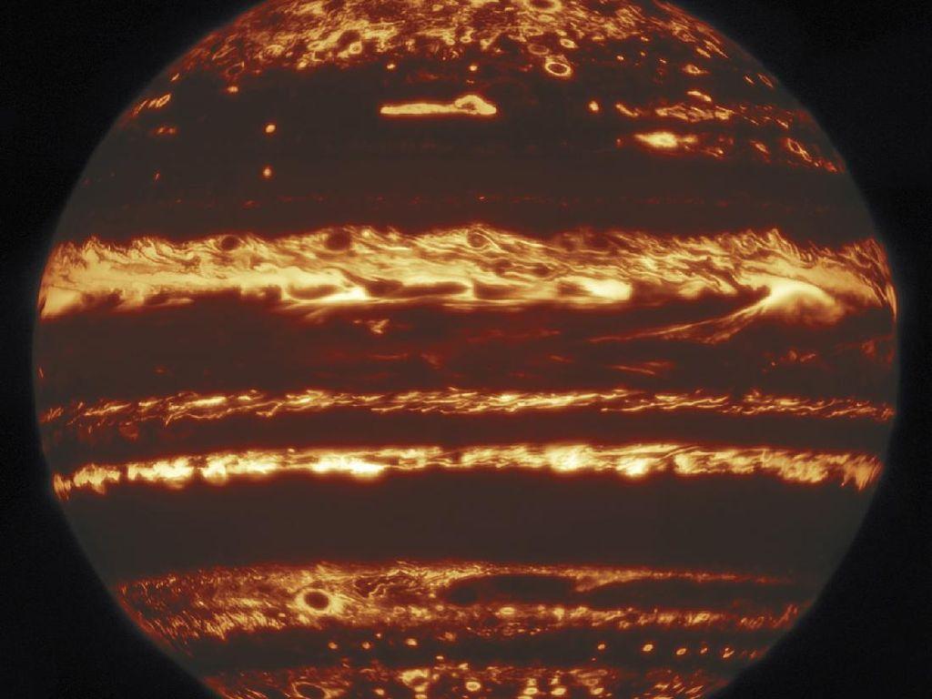 Astronom Tangkap Foto Terbaru Jupiter yang Membara