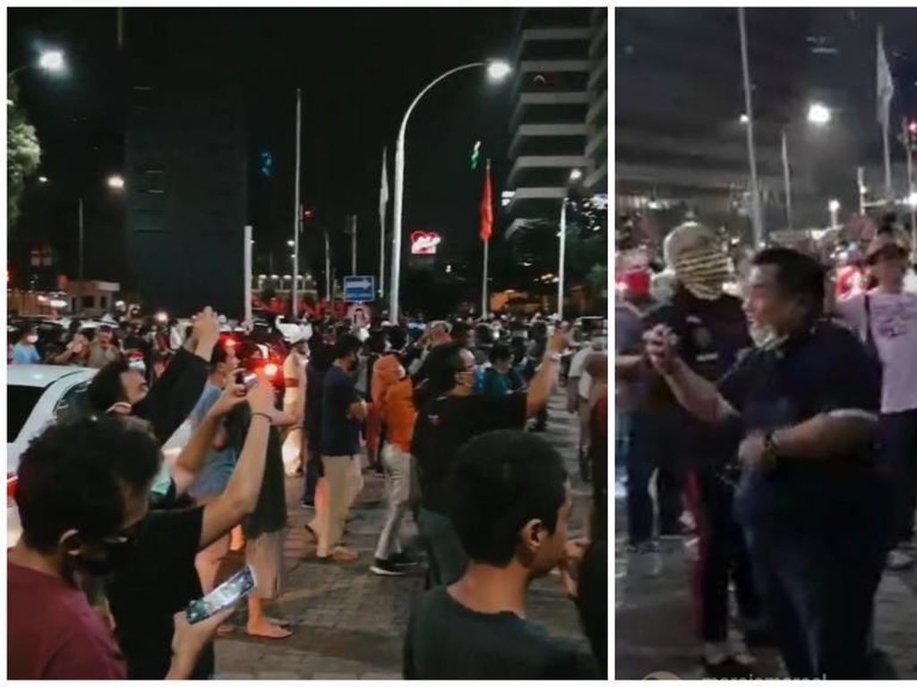 Orang Berkerumun di Momen Penutupan McDonalds Sarinah