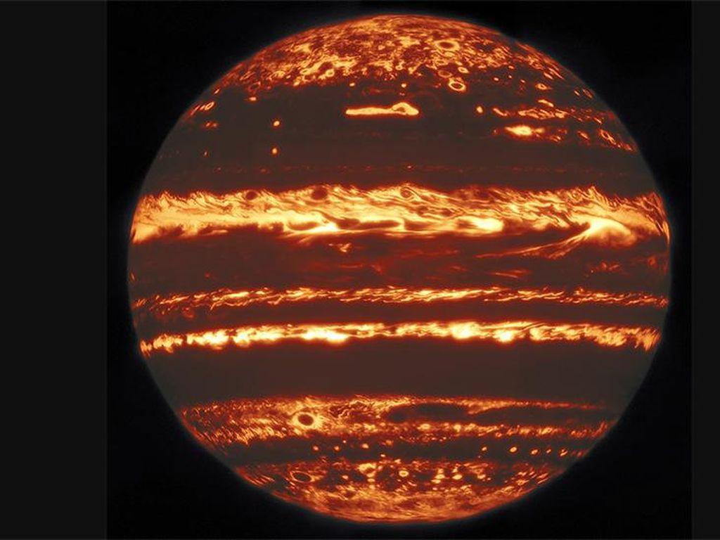 Para Astronom Perlihatkan Citra Terbaru Jupiter yang Luar Biasa