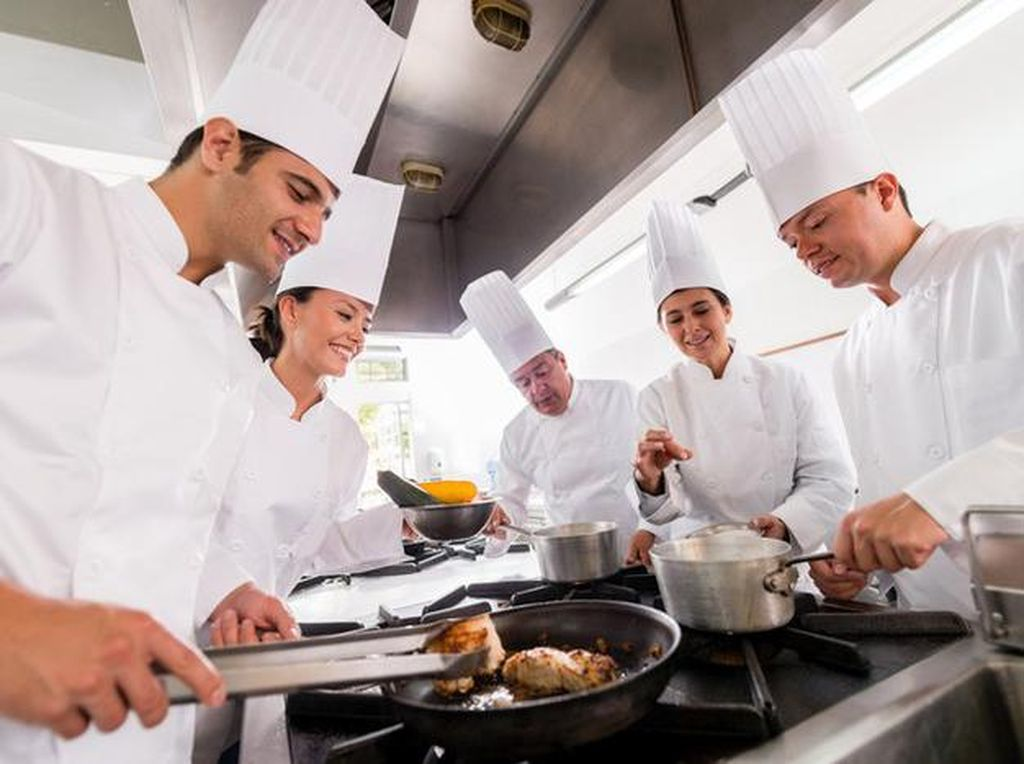 5 Celebrity Chef Indonesia Siasati Bisnis Restoran Saat Pandemi COVID-19