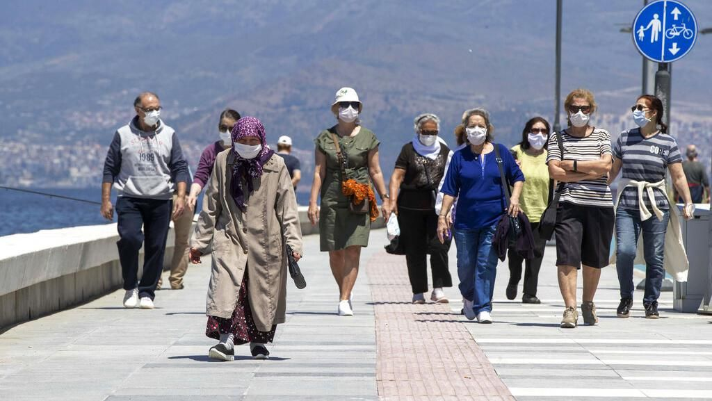 Kini Lansia di Turki Boleh Keluar Rumah Lagi