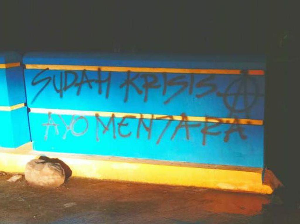 Sebar Hoax Corona Lewat Vandalisme, 4 Pemuda di Pinrang Sulsel Ditangkap