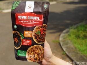 Dapur Cihuuyy: Mantap! Ayam dan Empal Suwir yang Pedas Gurih Buat Teman Sahur