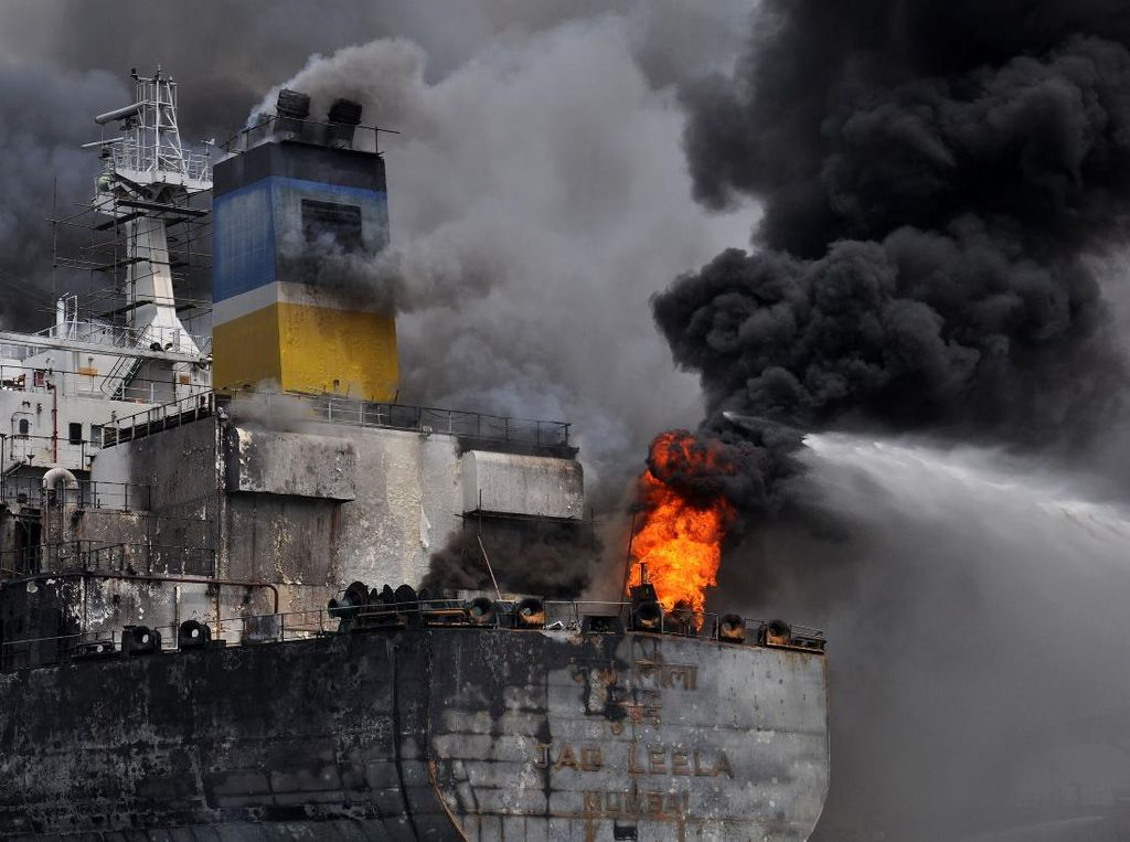Polisi Tetapkan 1 Orang Jadi Tersangka Kebakaran Kapal Tanker di Belawan