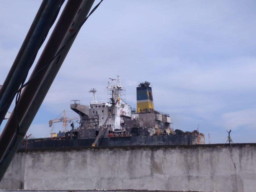 Kapolda soal Kapal Tanker Terbakar di Medan: Sementara Ini Kecelakaan Kerja