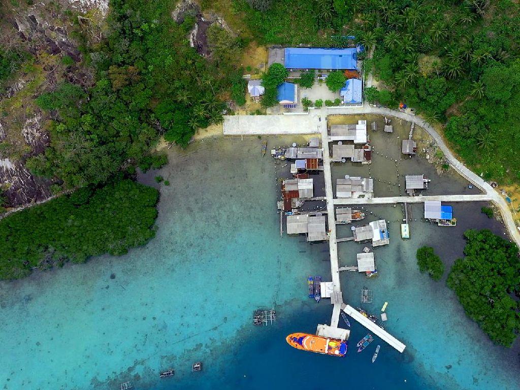 Pahlawan Ekonomi Nelayan Lokal di Pulau Nirwana